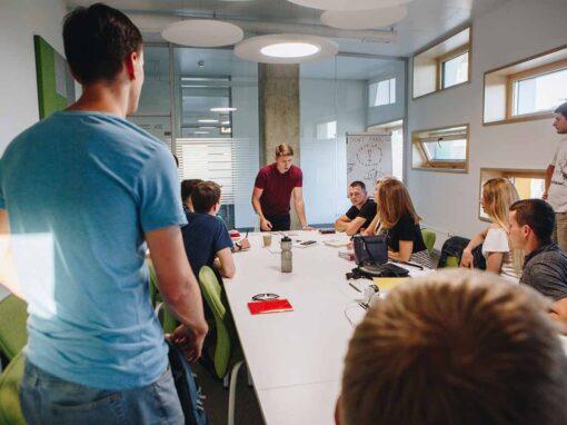 12 способів як почати промову ефективно, приклади
